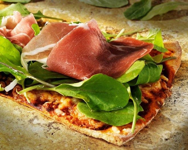 Pizza de Presunto e rúcula...