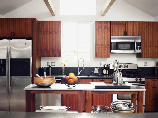 hollywood-cabin-kitchen