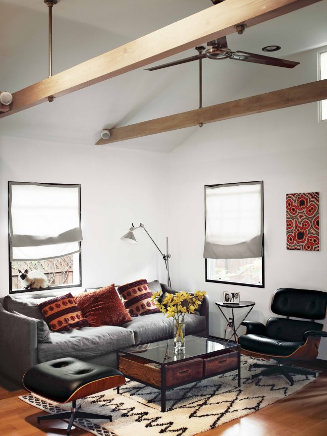hollywood-cabin-living-room-1