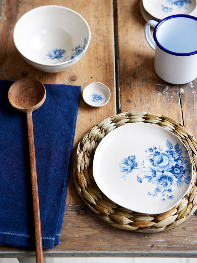 79ideas_touch_of_indigo_on_your_table