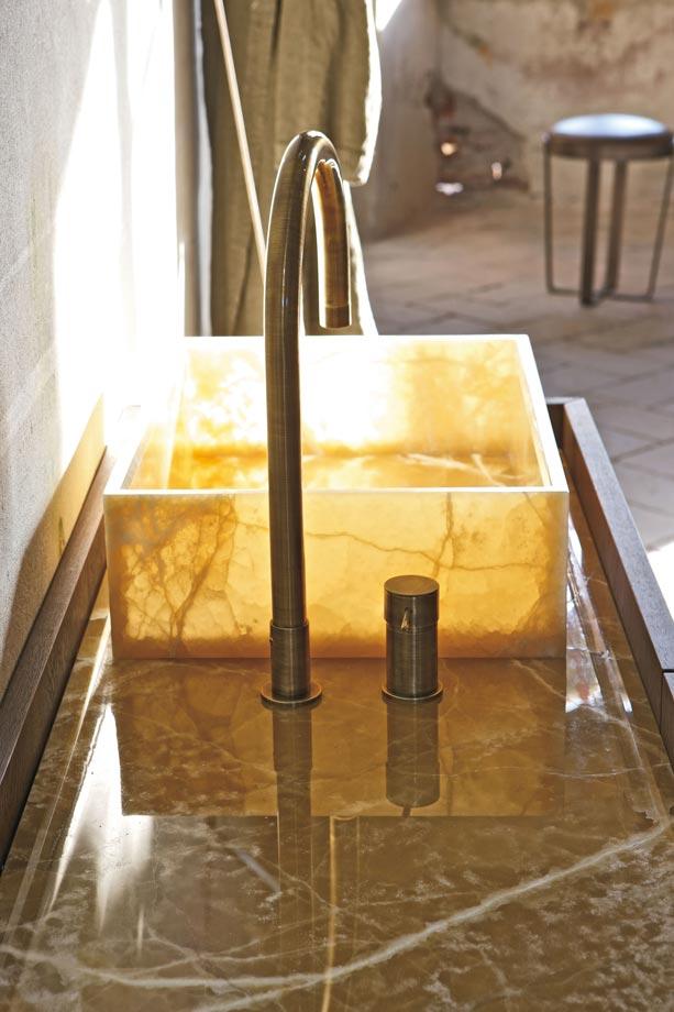 Sink-marble-details