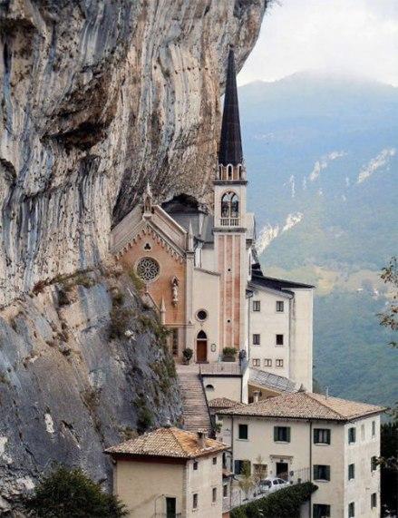 13-Santuario-Madonna-della-Corona-Spiazzi-Verona-Italy