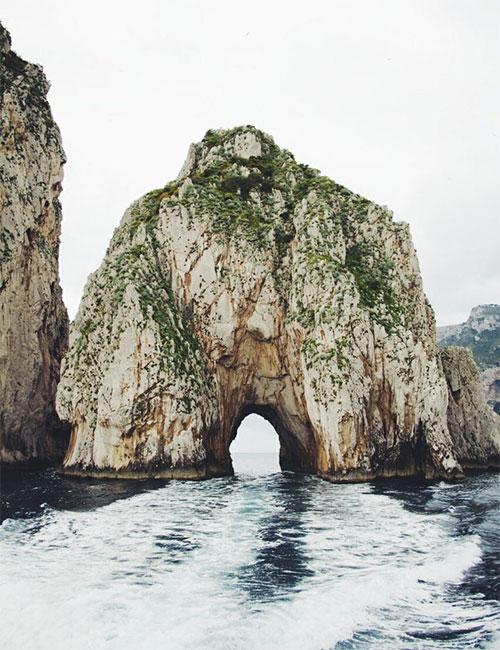 18-Lovers-Arch-Capri-Italy