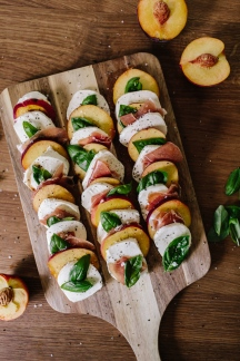 WD_BlogPosts_July_GrilledPeaches-2